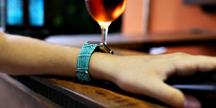 Apple Watch Series 5 Watch Band - (40 mm) - Turquoise - Crocodile style calfskin